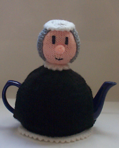 queen-victoria tea cozy