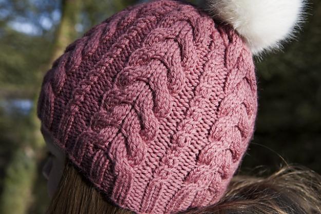 cable-hat-fur-pompom-4