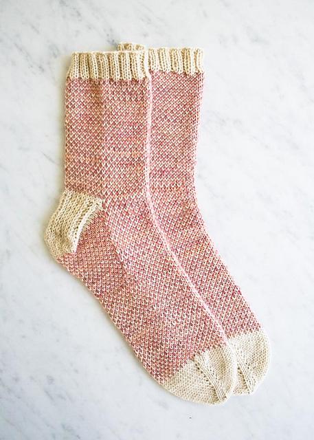 pixel-stitch-socks-600-18_medium2